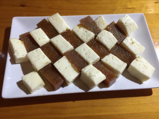 queso-gallego-con-membrillo